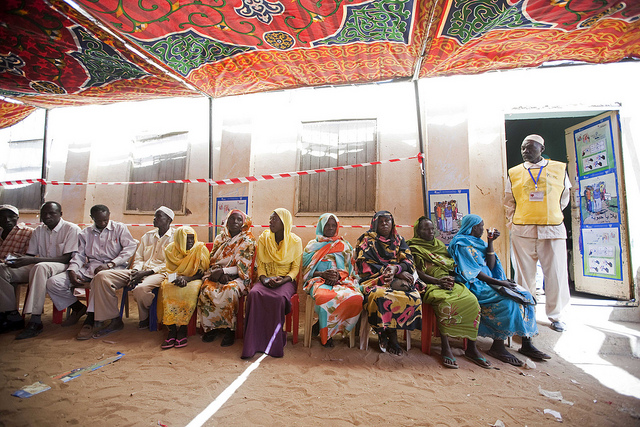 Voters wait to cast their ballots in South Sudan's independence referendum. Photo by Albert Gonzalez Farran/UNAMID.