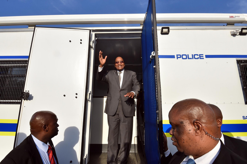 President Jacob Zuma inspects a mobile police station. Credit: GCIS.