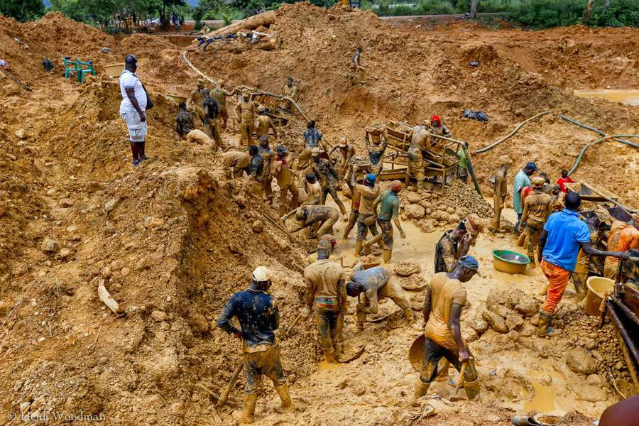 Gold, guns and China: Ghana's fight to end galamsey | African Arguments