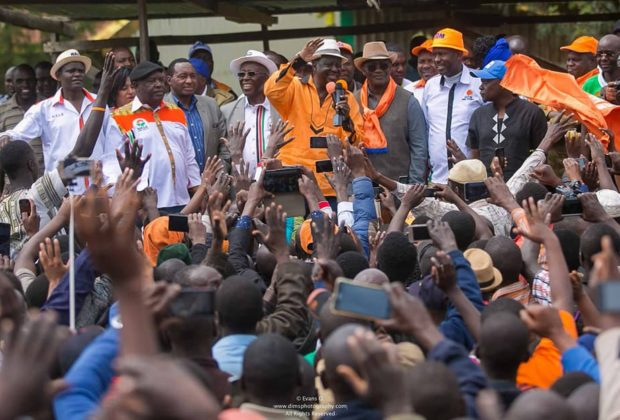 Opposition leader Raila Odinga addresses supporters at a rally. Credit: Raila Odinga.