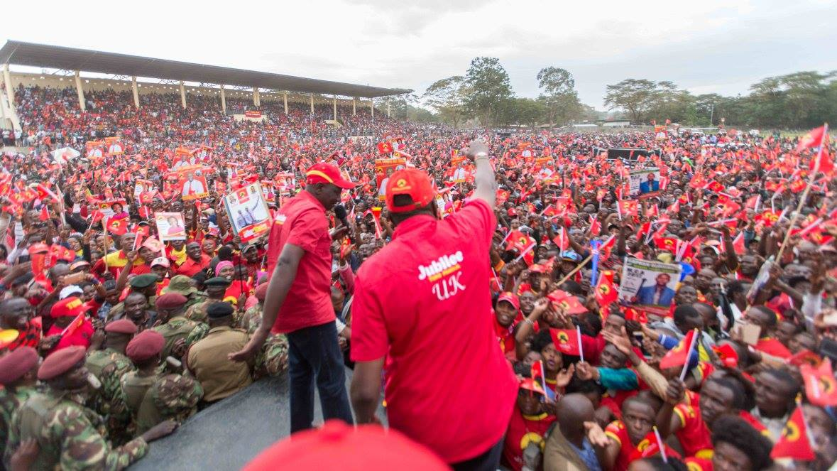 On the campaign trail with President Uhuru Kenyatta and Deputy President William Ruto. Credit: Uhuru Kenyatta.