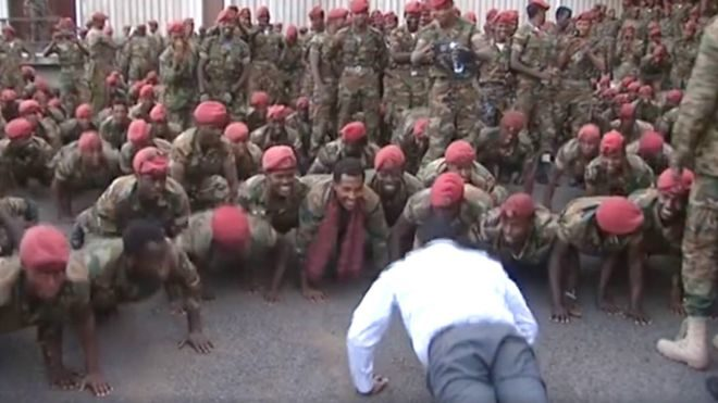 Ethiopia PM Abiy Ahmed doing press ups with protesting troops.