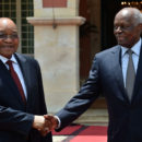 Angola's former president José Eduardo dos Santos (right) meeting his South African counterpart. Credit: GCIS.