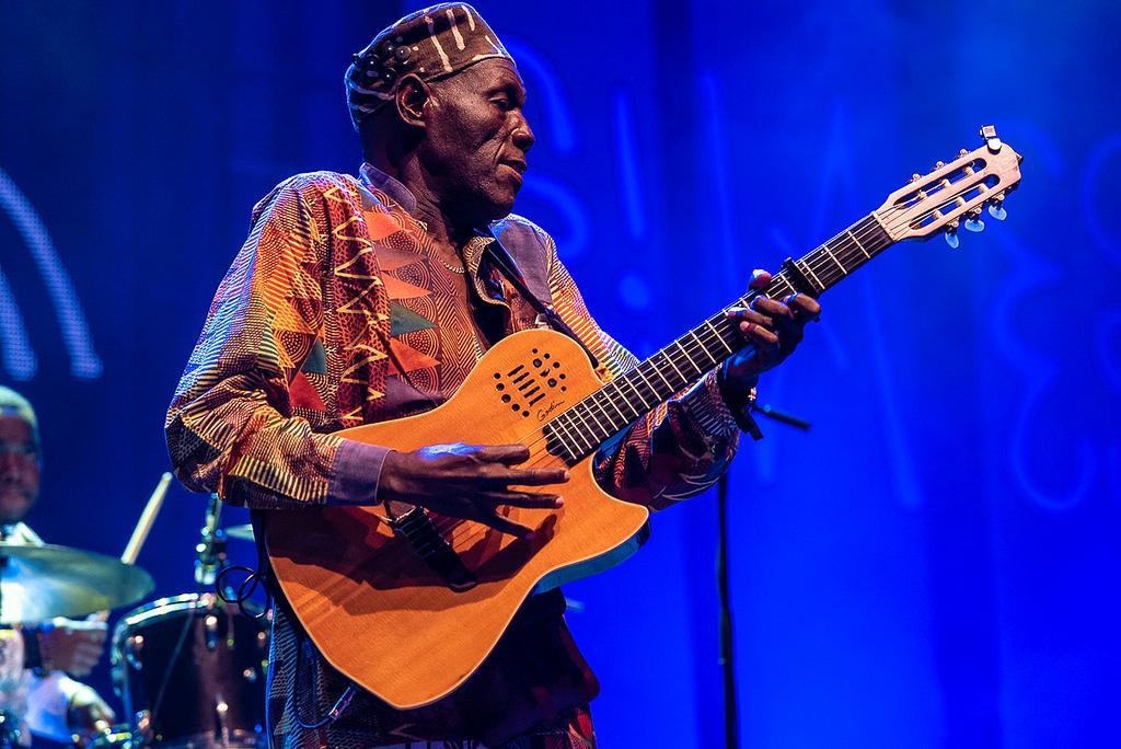 "Oliver ""Tuku"" Mtukudzi performing in 2018. Credit: Mário Pires."