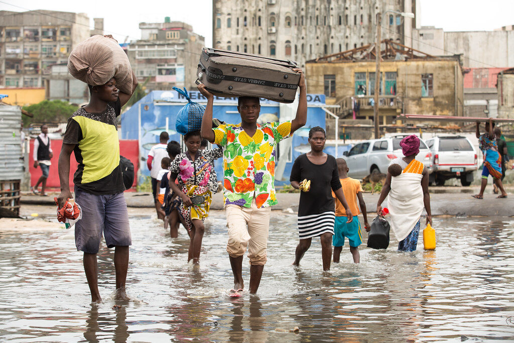 In the aftermath of Cyclone Idai in Mozambique, 15-16 March 2019. Credit: Denis Onyodi/IFRC/DRK/Climate Centre.