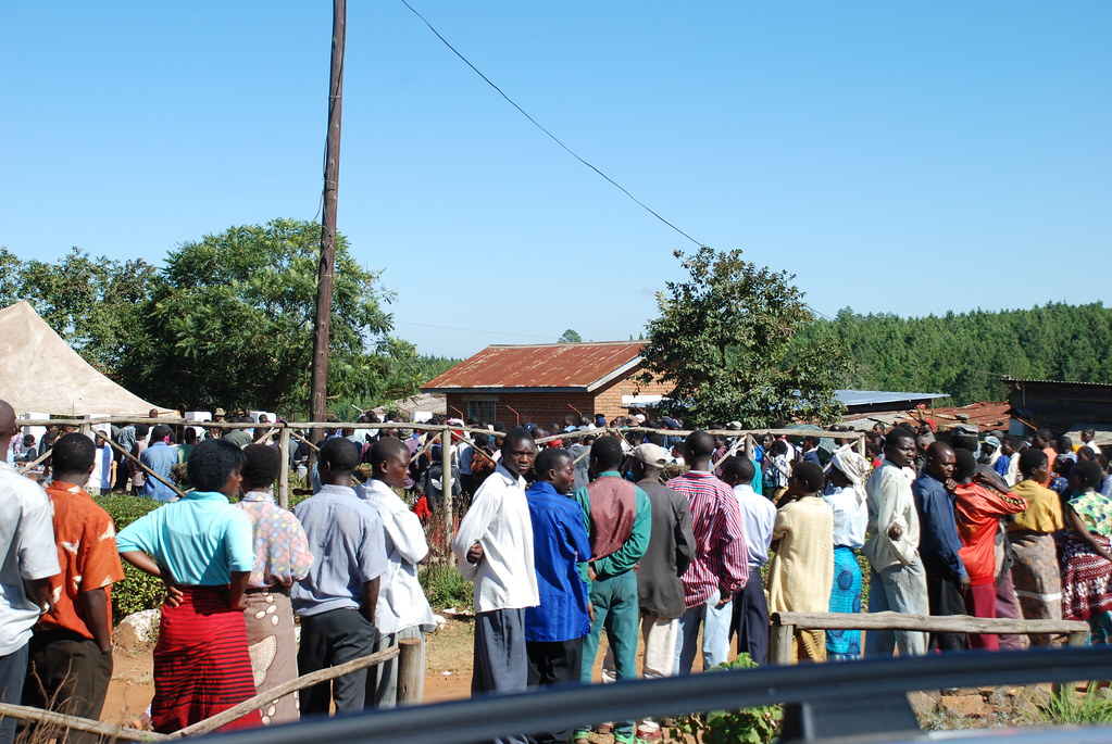 Voters in Malawi queue to cast their ballots in a previous election. Credit: Commonwealth Secretariat.
