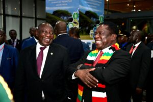 President Cyril Ramaphosa of South African with President Emmerson Mnangagwa of Zimbabwe in 2019. Credit: GCIS.
